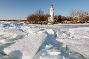 marblehead-lighthouse-winter